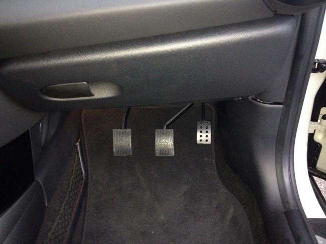 DOUBLE PEDALIER AMENAGEMENT VEHICULE AUTO-ECOLE HANDI EQUIPEMENT